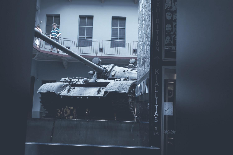 Terror Háza Múzeum  A múzeum a 20. században Magyarországon tomboló fasiszta és kommunista elnyomás áldozatairól emlékezik meg.    Információ  ||  Térkép