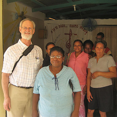 Everett Post meets with partners in the Dominican Republic