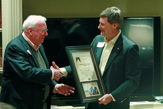 Jim Oakes receives a Lifetime Achievement Award from Dale Stanton-Hoyle
