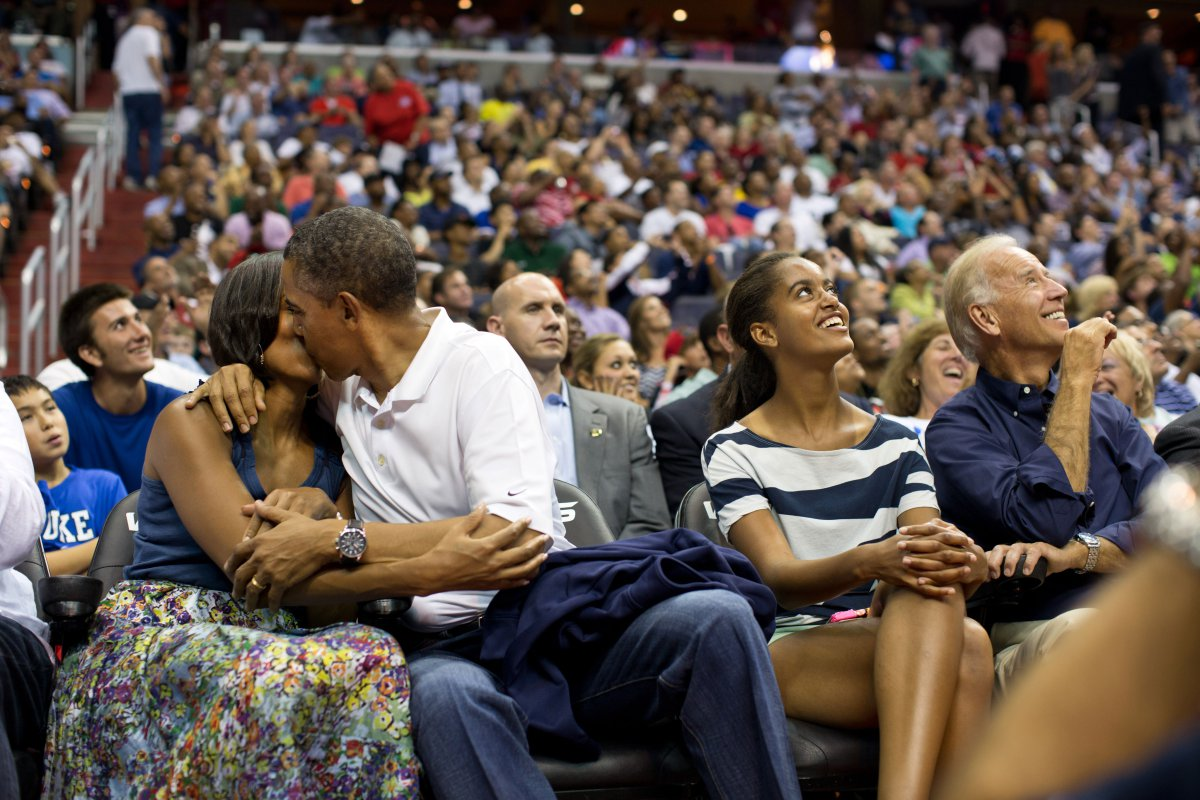 Obamas at basketball game