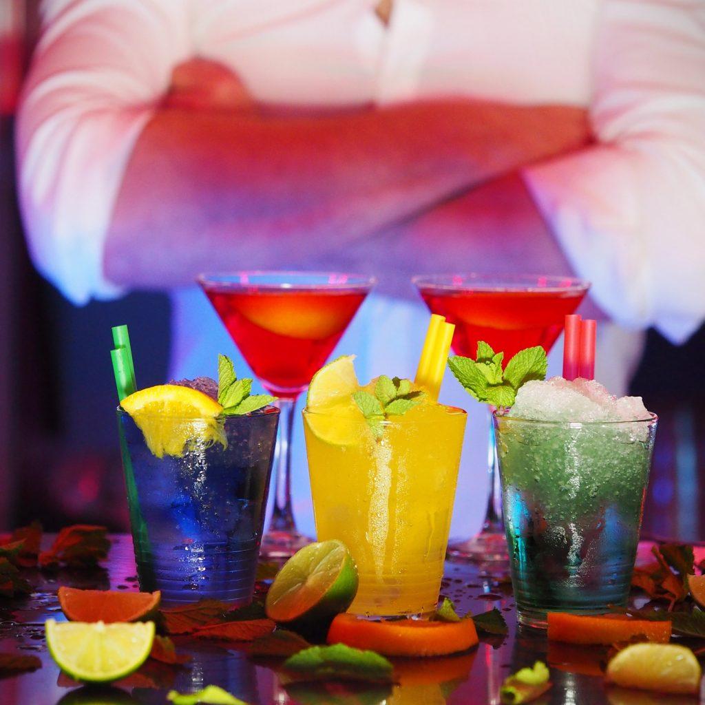 Bartender an Cocktails