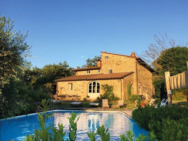 Airbnb - Centuries-Old Villa Near Florence