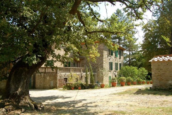 Airbnb - Tuscan Countryside Villa