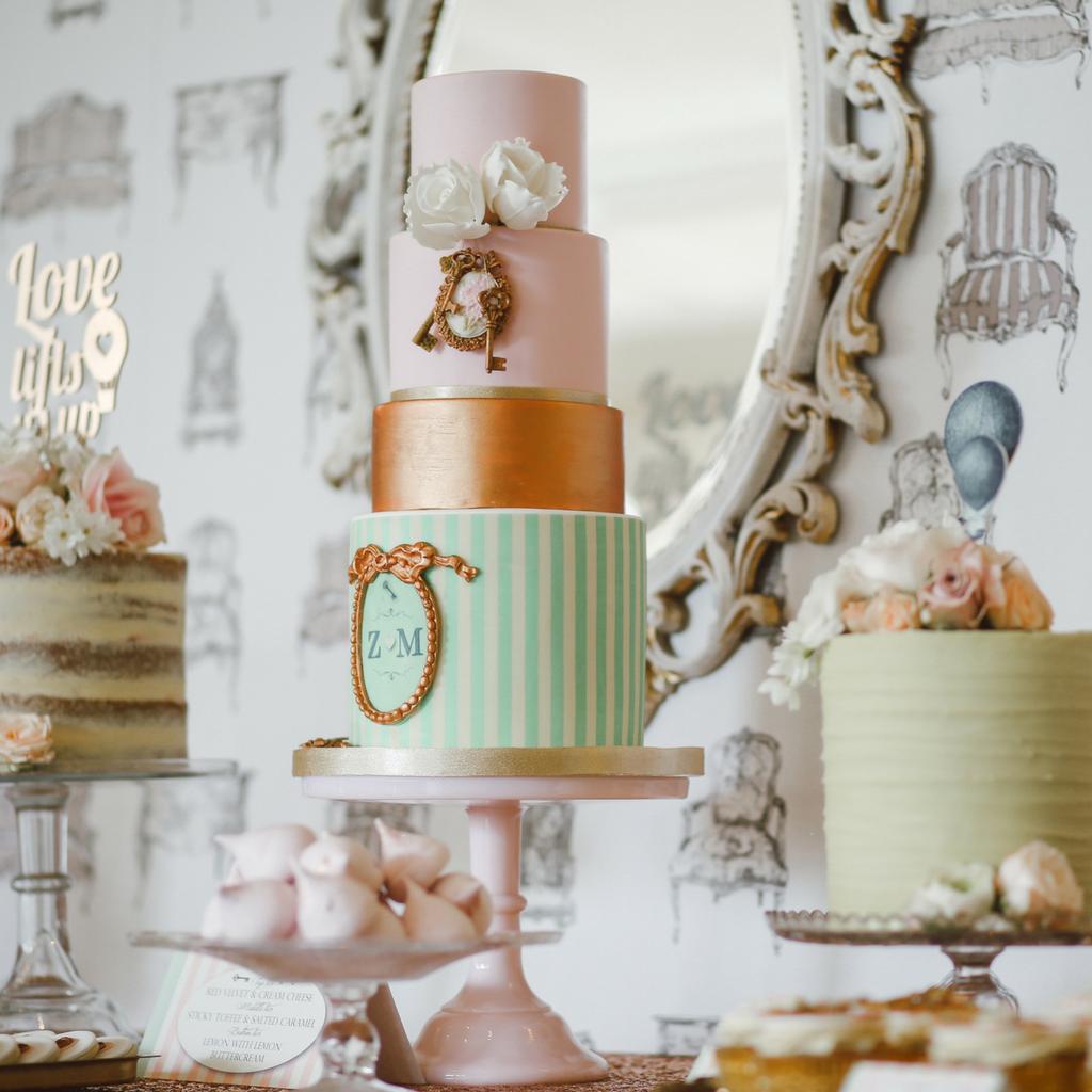 Thomas William - Three wedding cakes