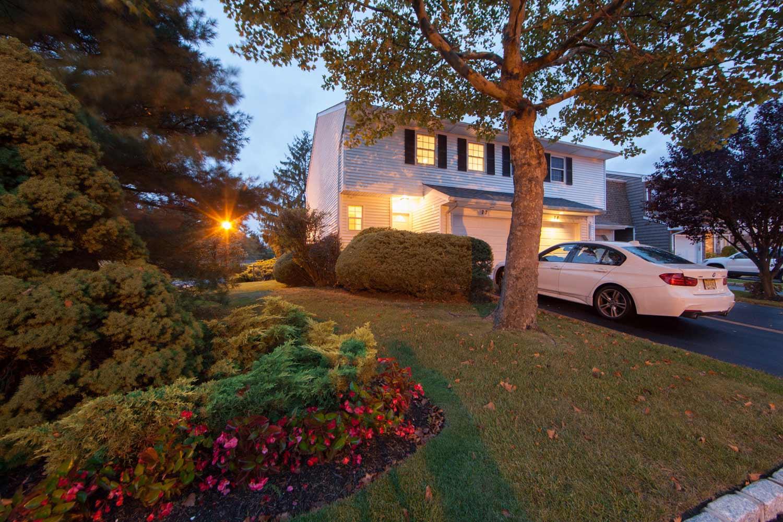 77 Woodlake Drive West, Woodbury, NY