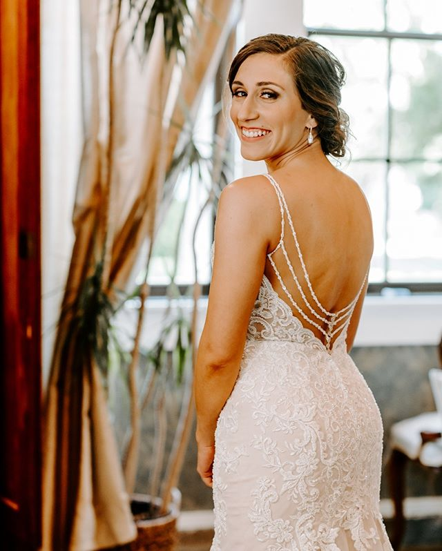 Future Mrs. Hayes. ⠀⠀⠀⠀⠀⠀⠀⠀⠀ .⠀⠀⠀⠀⠀⠀⠀⠀⠀ .⠀⠀⠀⠀⠀⠀⠀⠀⠀ .⠀⠀⠀⠀⠀⠀⠀⠀⠀ #texaswedding #theknot #austinwedding #weddinginspo #weddingday #weddingdetails #weddingdream #atxwedding #weddinggoals #weddingphotographer #weddingstyle #texasbride #bestwedding #designerdress #happiness #love #weddingday #uniononeigth #georgetownwedding #atxphotographer #amyweissphotography