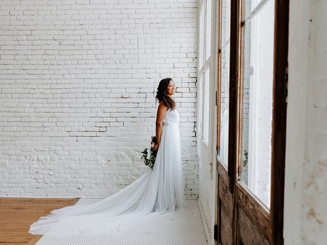 """Cue """"Soulful Strut"""" by Young Holt-Unlimited and cheers to the weekend! ⠀⠀⠀⠀⠀⠀⠀⠀⠀ .⠀⠀⠀⠀⠀⠀⠀⠀⠀ .⠀⠀⠀⠀⠀⠀⠀⠀⠀ .⠀⠀⠀⠀⠀⠀⠀⠀⠀ Venue: @oneeleveneast⠀⠀⠀⠀⠀⠀⠀⠀⠀ Photographer: @amyweissphotography⠀⠀⠀⠀⠀⠀⠀⠀⠀ Planner: @eventsbyleslieatx⠀⠀⠀⠀⠀⠀⠀⠀⠀ Videographer: @primrosepathprod⠀⠀⠀⠀⠀⠀⠀⠀⠀ Event Rentals: @scavengedvintage⠀⠀⠀⠀⠀⠀⠀⠀⠀ Baker: @thepowdersugarroom⠀⠀⠀⠀⠀⠀⠀⠀⠀ Makeup: @makeupatx⠀⠀⠀⠀⠀⠀⠀⠀⠀ Model and calligrapher: @ivelissedesigns⠀⠀⠀⠀⠀⠀⠀⠀⠀ Florist: @wishandwhimsyfloral⠀⠀⠀⠀⠀⠀⠀⠀⠀ Dress Designer: @moonlightandmoss"""