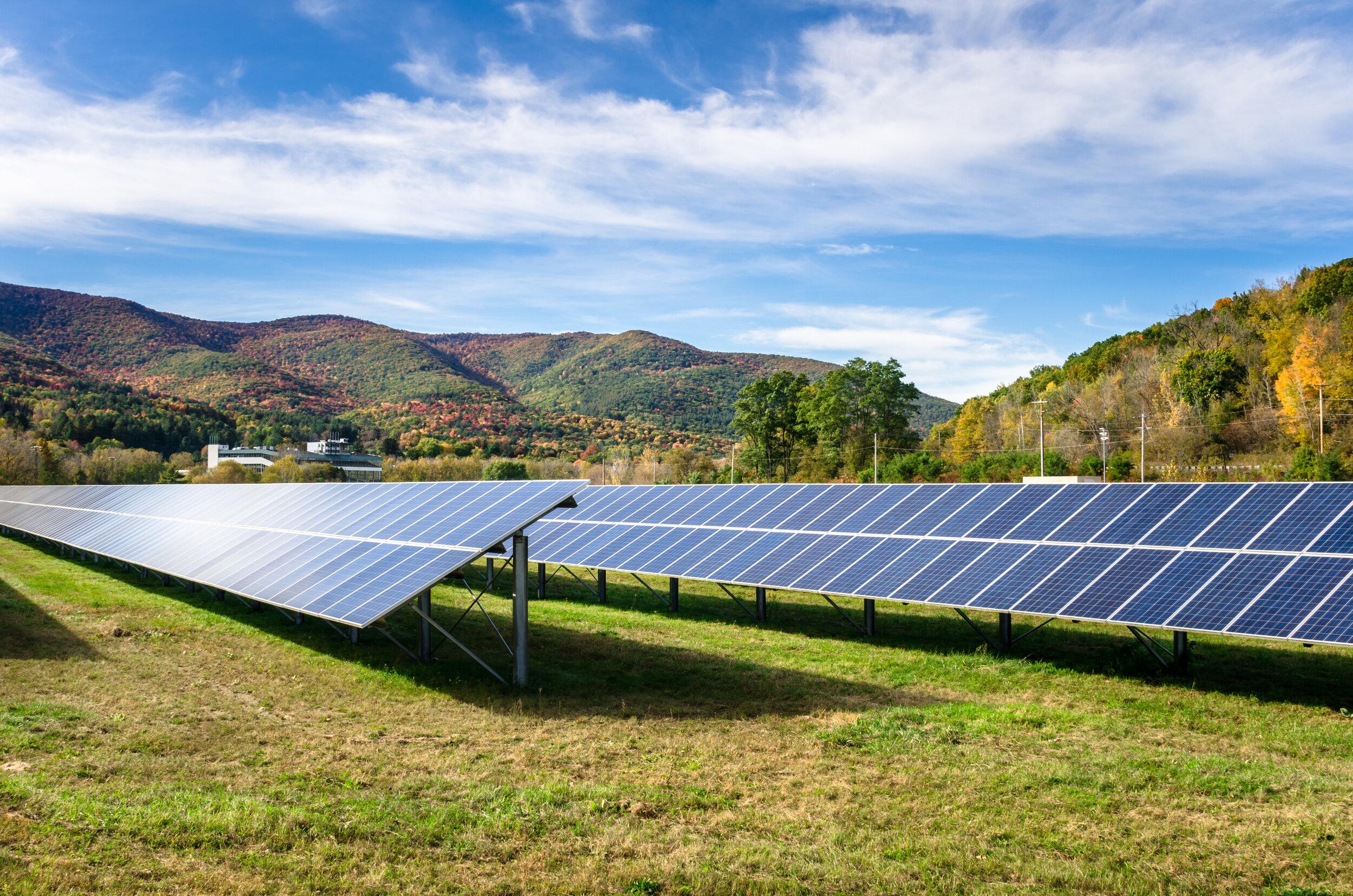 solar field Depositphotos_149800136_xl-2015.jpg