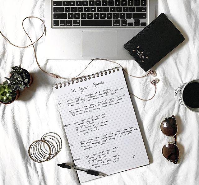 Writing daysss ☁️☁️☁️
