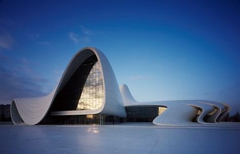Zaha-Hadid-Architects-Heydar-Aliyev-Center-10-Photo-by-Hufton-Crow.JPG