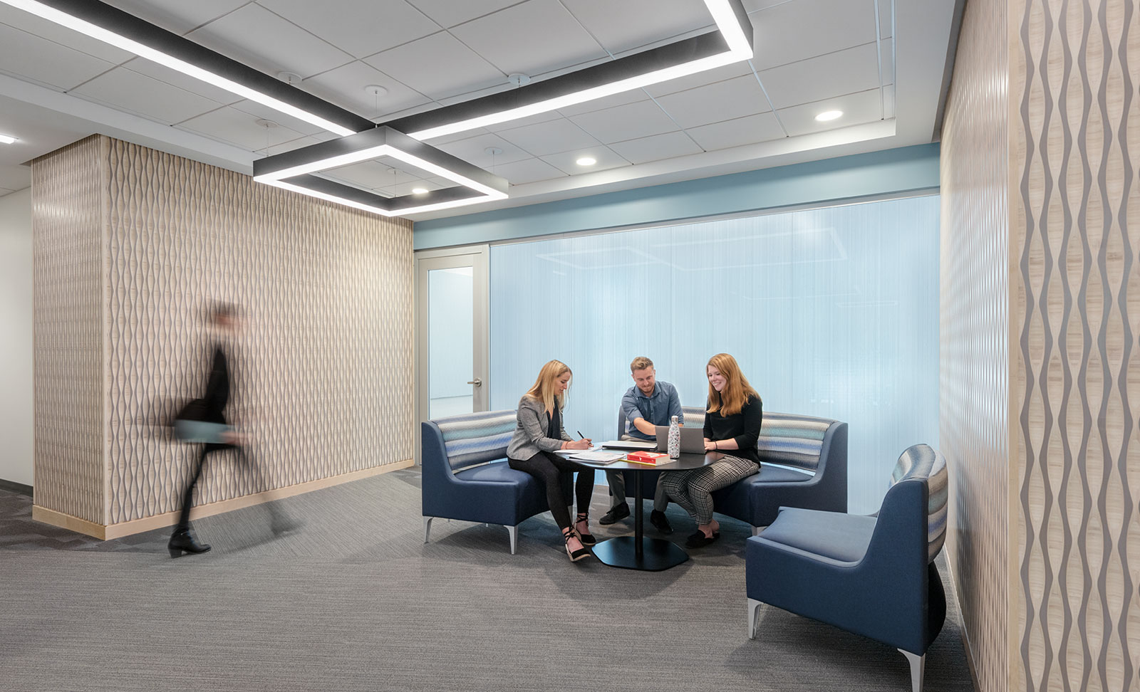 10 Brookline Place Collaborative Workplace