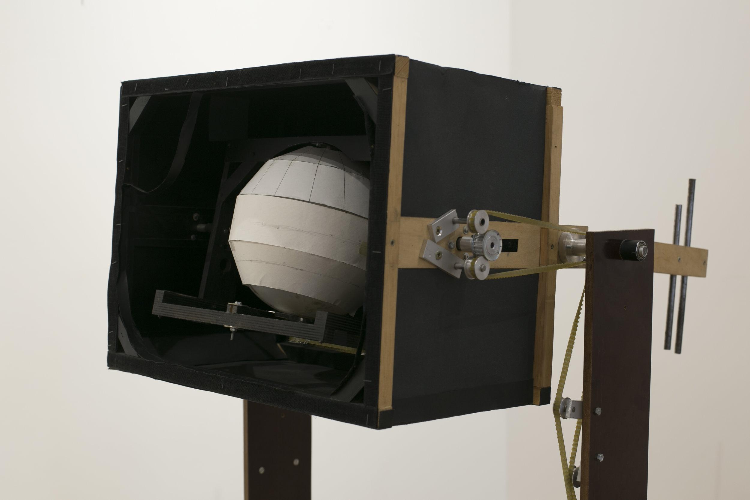 Narancs-tér kamera / Orange Space Camera, 2003