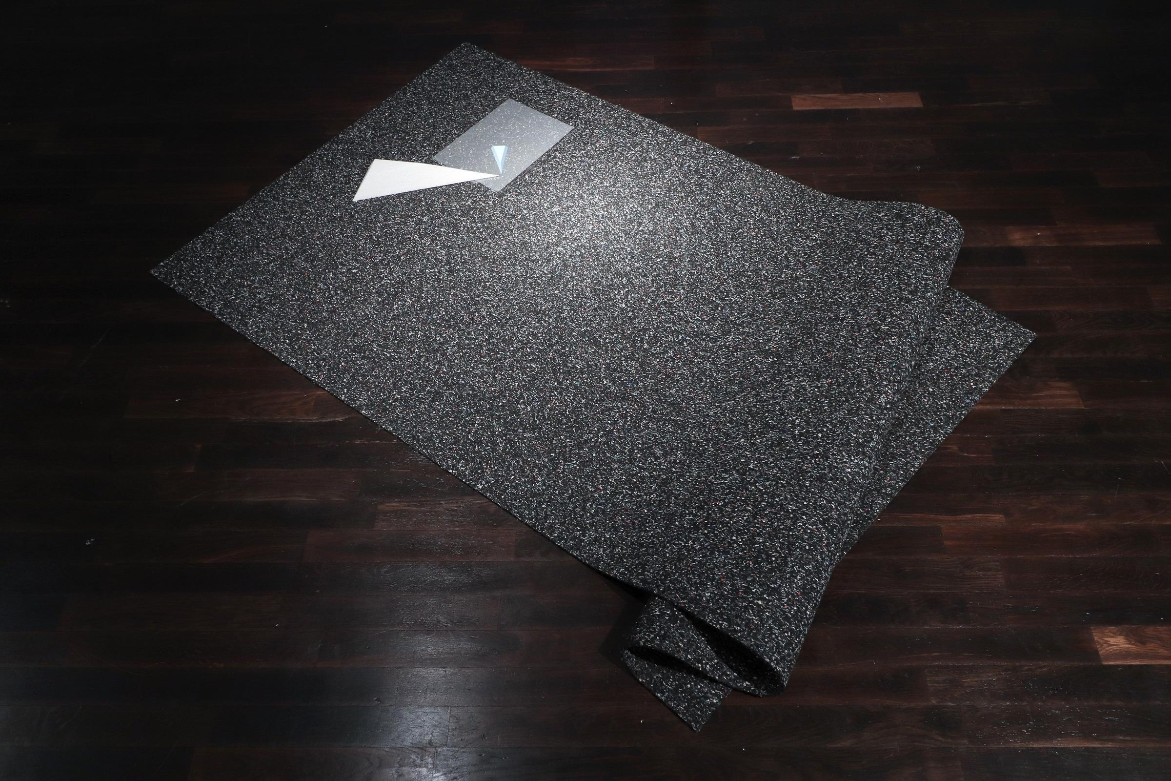Selective Sensitivity, 2017, 160 x 120 x 15 cm, rubber sheet, styrofoam, plastic sheet