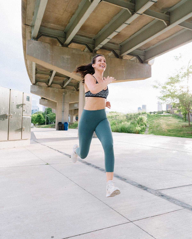 toronto wellness blogger running