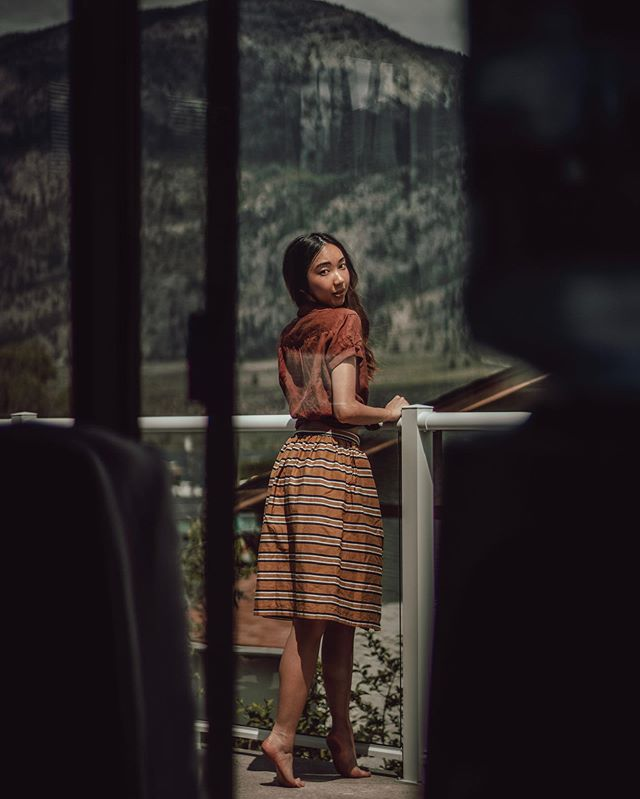 Another one for @bridgeandburn! Osoyoos was a dream. ❤️ . . . . #fashion #fashionblogger #fashionpost#fashionbloggers #blogger #blog #style #styleblog#styleblogger #stylenanda #instastylde #instafashion#inatamood #instadaily #instagrid#instafashion #vancouverblogger #style #styleblogger #fashionista #instyle #fashionstyle #outfitgrid #outfitoftheday #outfits #ootd #ootdfashion #osoyoos #pnw