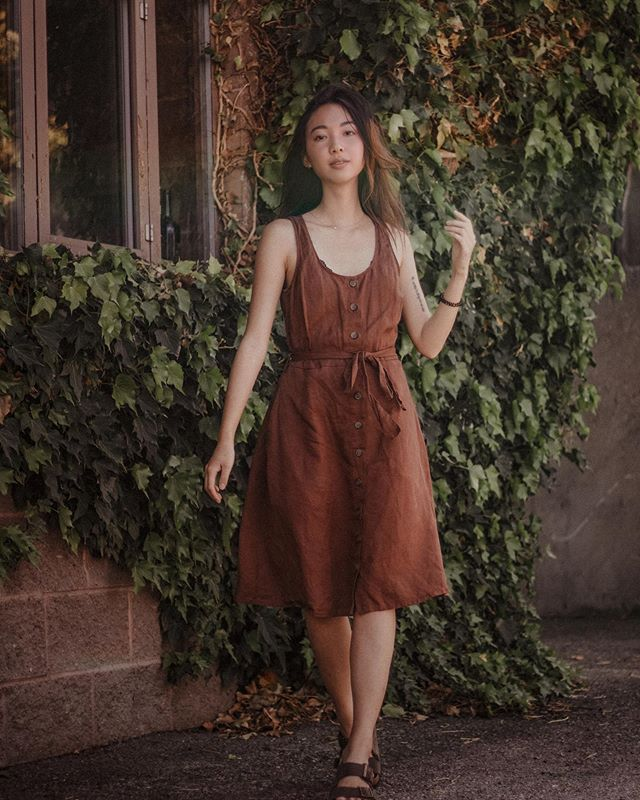 Can't believe it's been a week since osoyoos. This is @bridgeandburn's Aletta Copper dress ❤️ . . . #fashion #fashionblogger #fashionpost#fashionbloggers #blogger #blog #style #styleblog#styleblogger #stylenanda #instastylde #instafashion#inatamood #instadaily #instagrid#instafashion #vancouverblogger #style #styleblogger #fashionista #instyle #fashionstyle #outfitgrid #outfitoftheday #outfits #ootd #ootdfashion #osoyoos