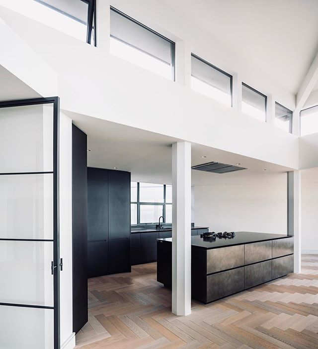 Inside the stunning residence for David Peach with @boffi_official . This project was managed by Luca Mariani for @boffi_uk , who recently joined us in LA as new Manager of BOFFI Los Angeles! #boffi #losangeles