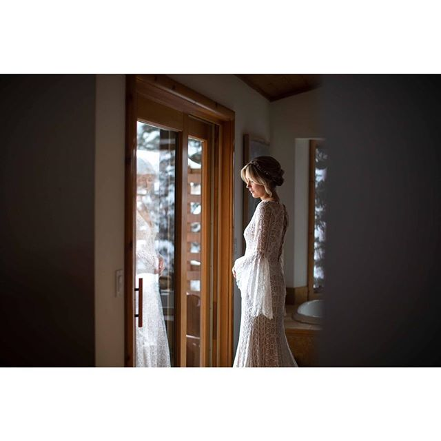 Just before the big moment, a few last minute details, waiting in anticipation!  #rmbcolorado #bride #wildernesswedding #elopementcollective #wedventuremag