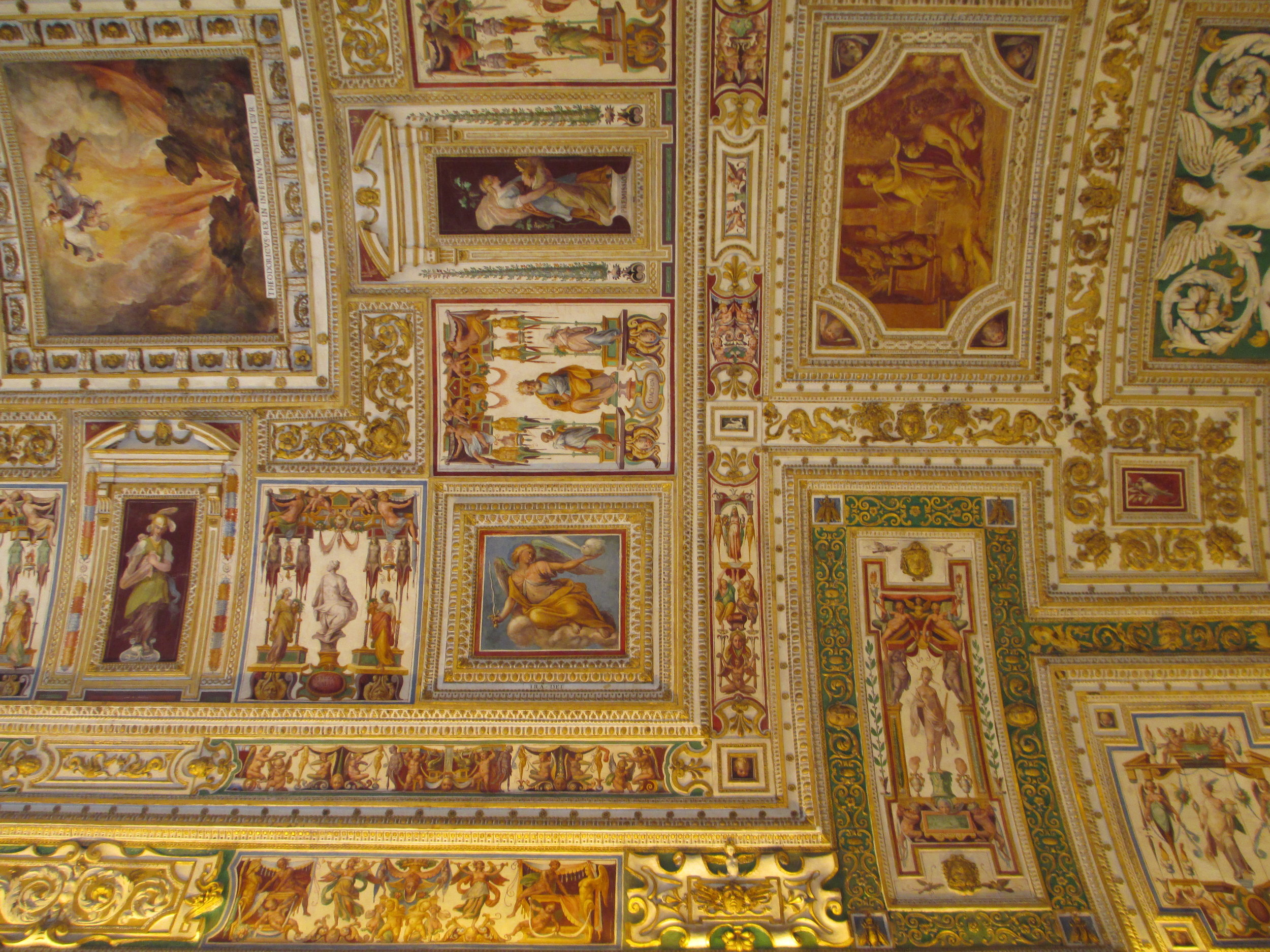 OB9 ceiling of the hall of maps (detail).JPG
