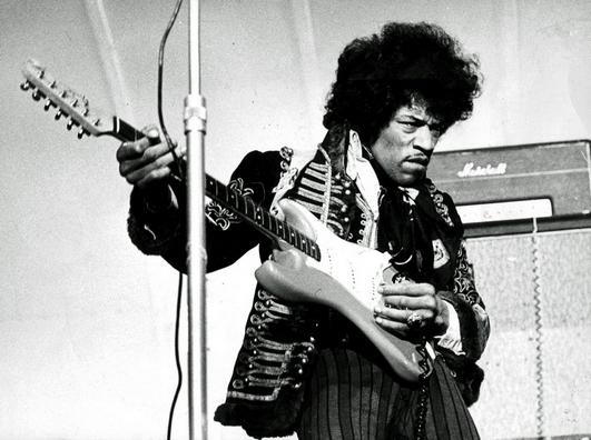 � SCANPIX SWEDEN, Stockholm, Sverige, 2000-06-06, Foto: SCANPIX Scanpix Code 20360***ARKIVBILD 1967-05-24***Gitarrlegenden Jimi Hendrix p� Gr�na Lunds scen.