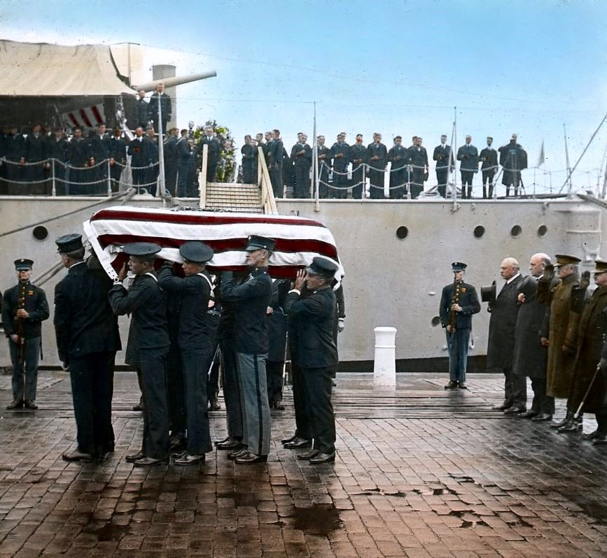 Unknown Soldier from World War I being taken from the USS Olympia at the Washington Navy Yard and transported to the US Capitol to lay in state. On November 11, 1921 the body was intered at Arlington National Cemetery   (photographed by E.B. Thompson)         http://www.flickr.com/photos/dcplcommons/3423377913/    http://www.flickr.com/people/dcplcommons/     District of Columbia Public Library