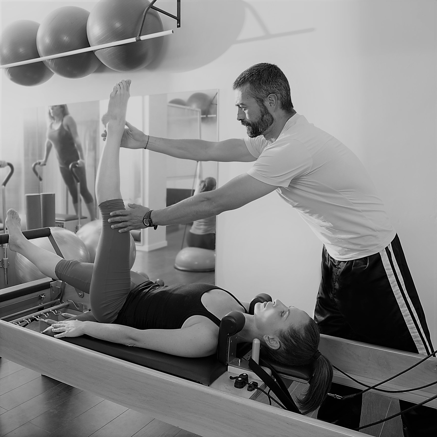 Calibrate Pilates - Teaching Reformer Single Leg Press