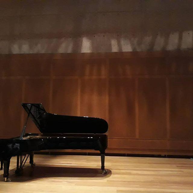 Un buen concierto de piano es mágico. Y aún más en una gran sala de música @Bogotá  A good piano concert is always magical. And even more in a great music venue @Bogota  #músicaclásica #piano #cultura #bogotá #bogotacultural #teatromayorjuliomariosantodomimgo #komorebi #inspiration #feelathome #expatlife #expatriados #goodmusic