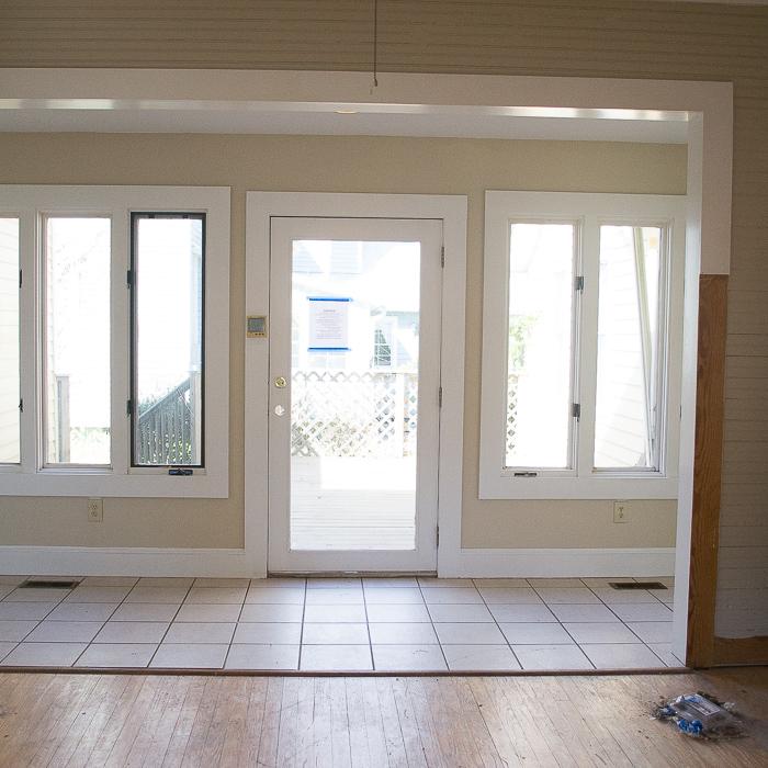 Kitchen Side Entry
