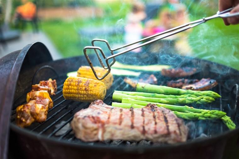 170523-outdoor-grill-mn-1155_cfd299738fed4f43226fd2c57dffab19.fit-760w.jpg