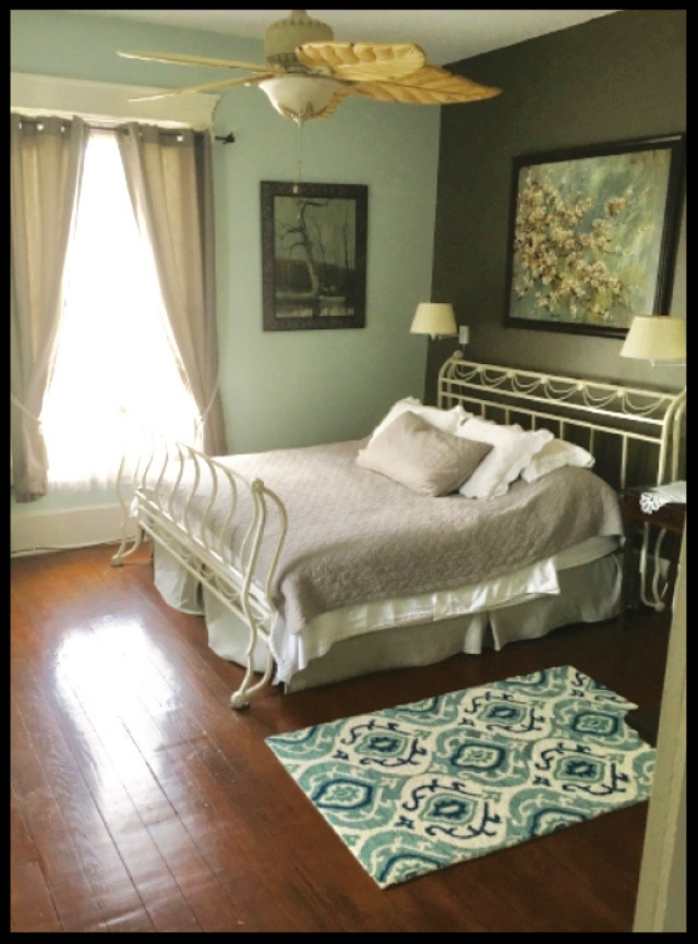 Blue Room, spacious and open, king-sized bed, full private bath