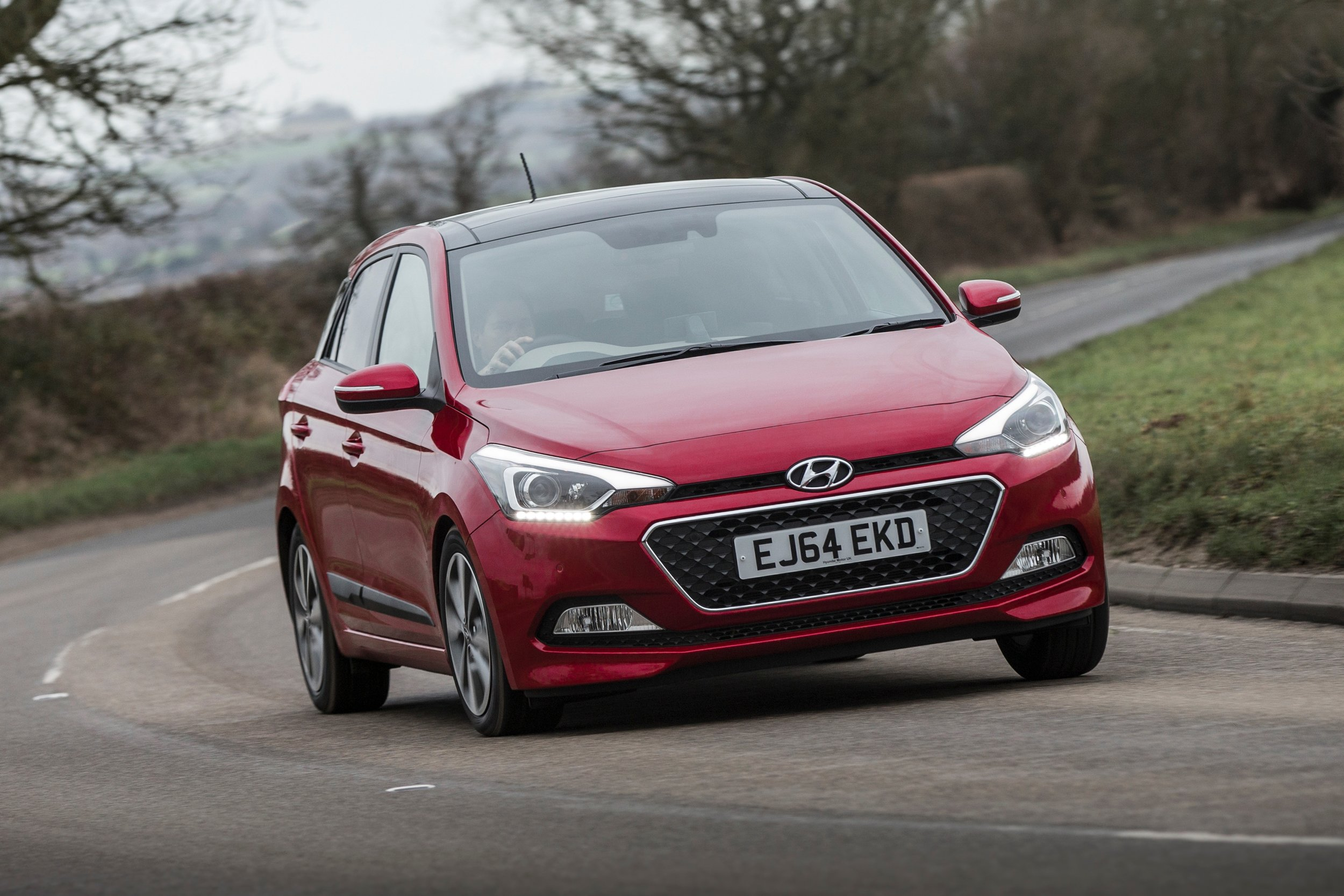 Hyundai i20 (15-)   The Hyundai 20 offers strong safety standards, it's simple to drive and very practical. At this price, the i20 should still be covered by the original warranty.