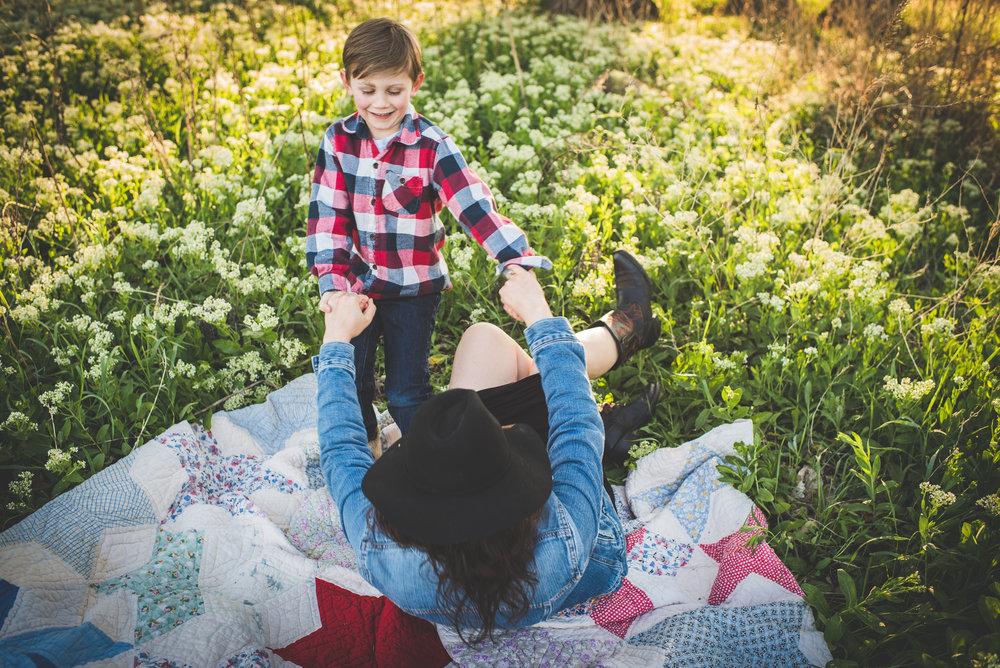 denver+family+photographer,+boulder+photographer,+spring+family+session (2).jpeg