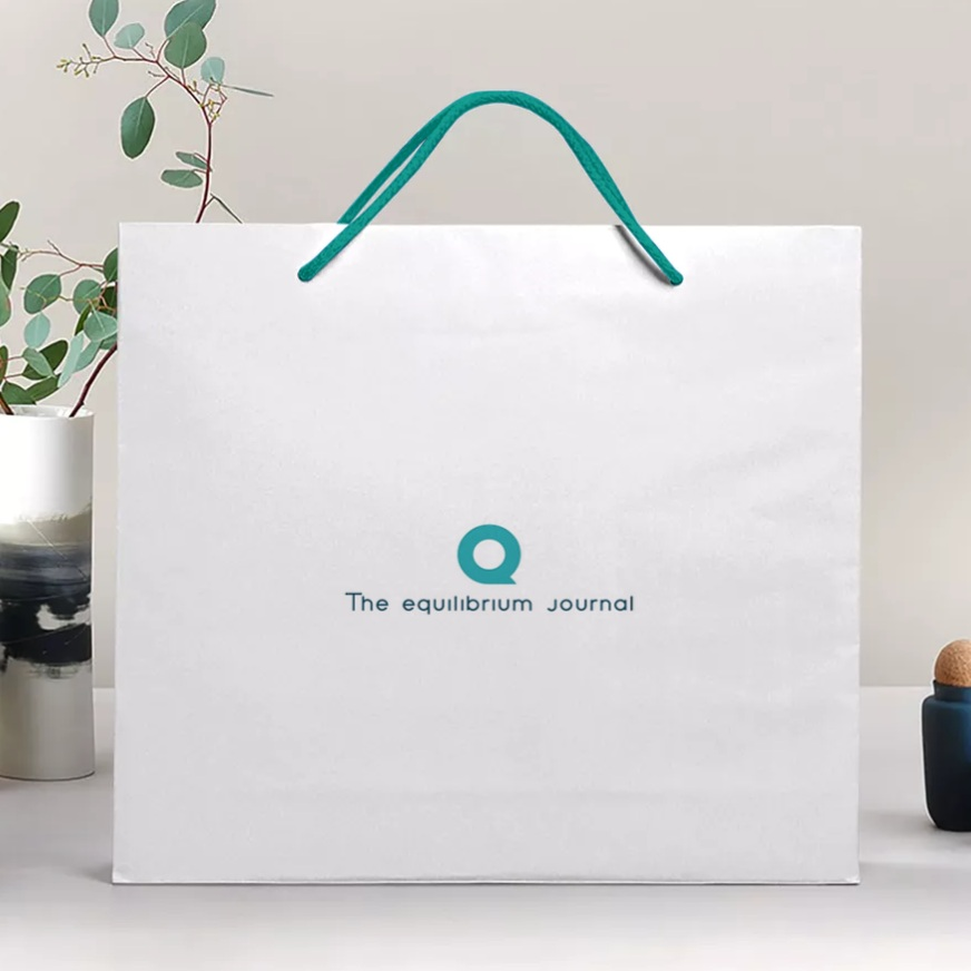 2019-05-20+21_32_26-Free+Paper+bag+Mockup+generator+_+Smartmockups.jpg