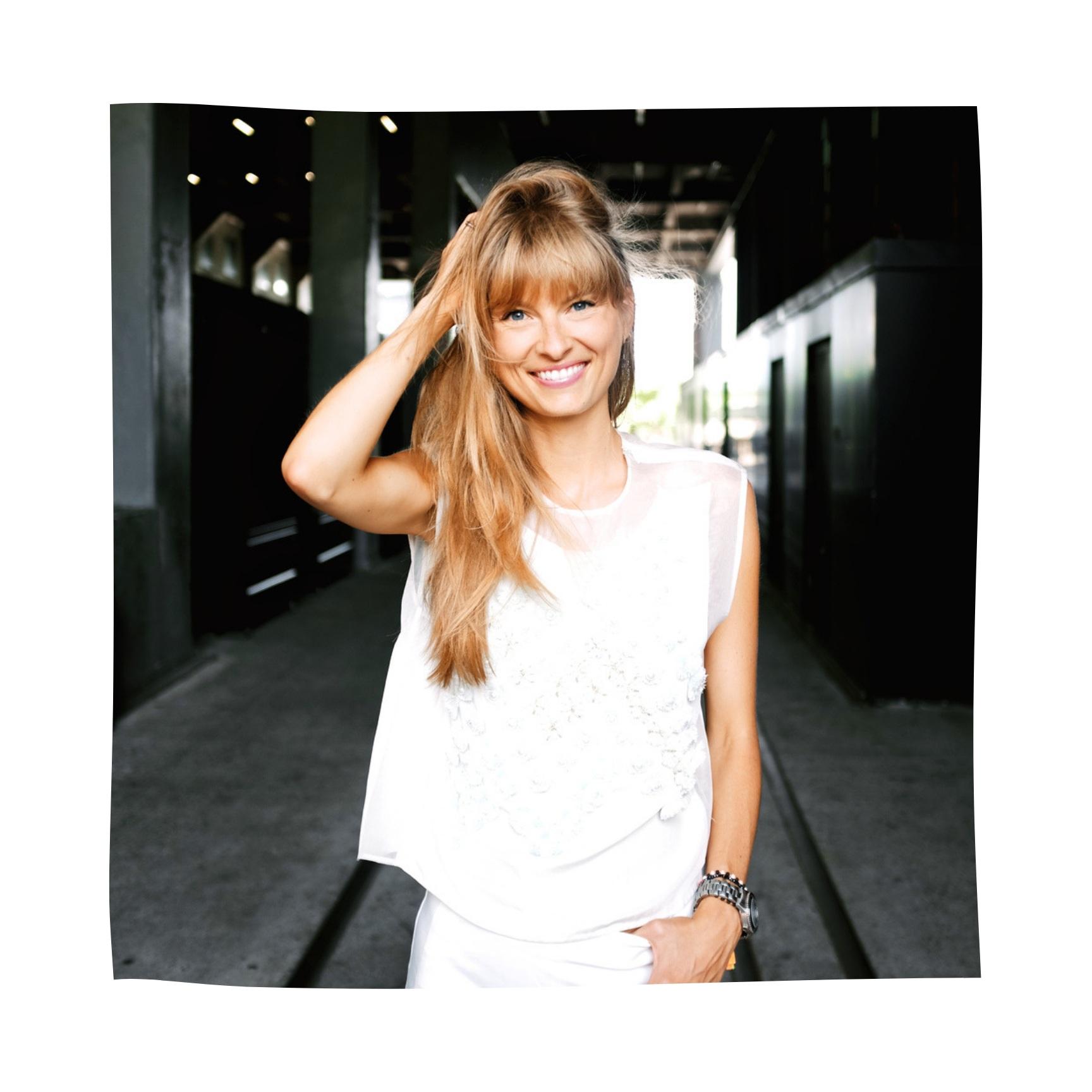 Natalie Decleve - BLOGGER, JOURNALIST