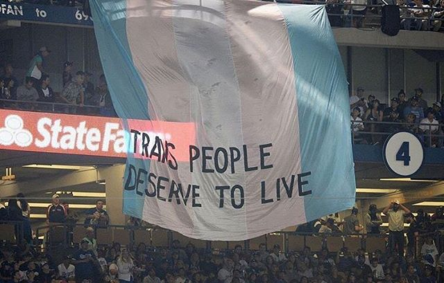 @translatinacoalition dropped this banner during the World Series Game. ashe