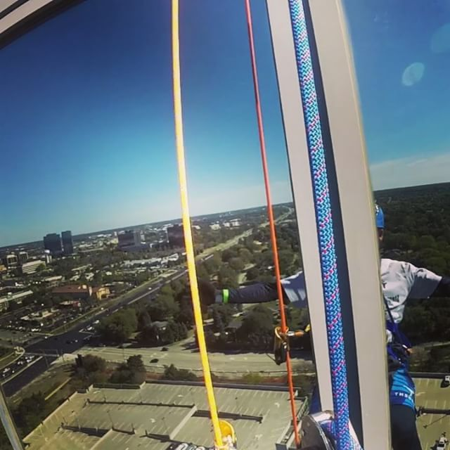 Truly ready for any adventure. Including jumping off a 21+ story building despite a grave fear of heights. Never let fear stop you. If you do you will never know what beauty and adrenaline-rushing adventure may be just over the edge. 📷: @lalalalauryn8  #overtheedge #heights #rappeling #adventure #adrenaline @habitatforhumanity