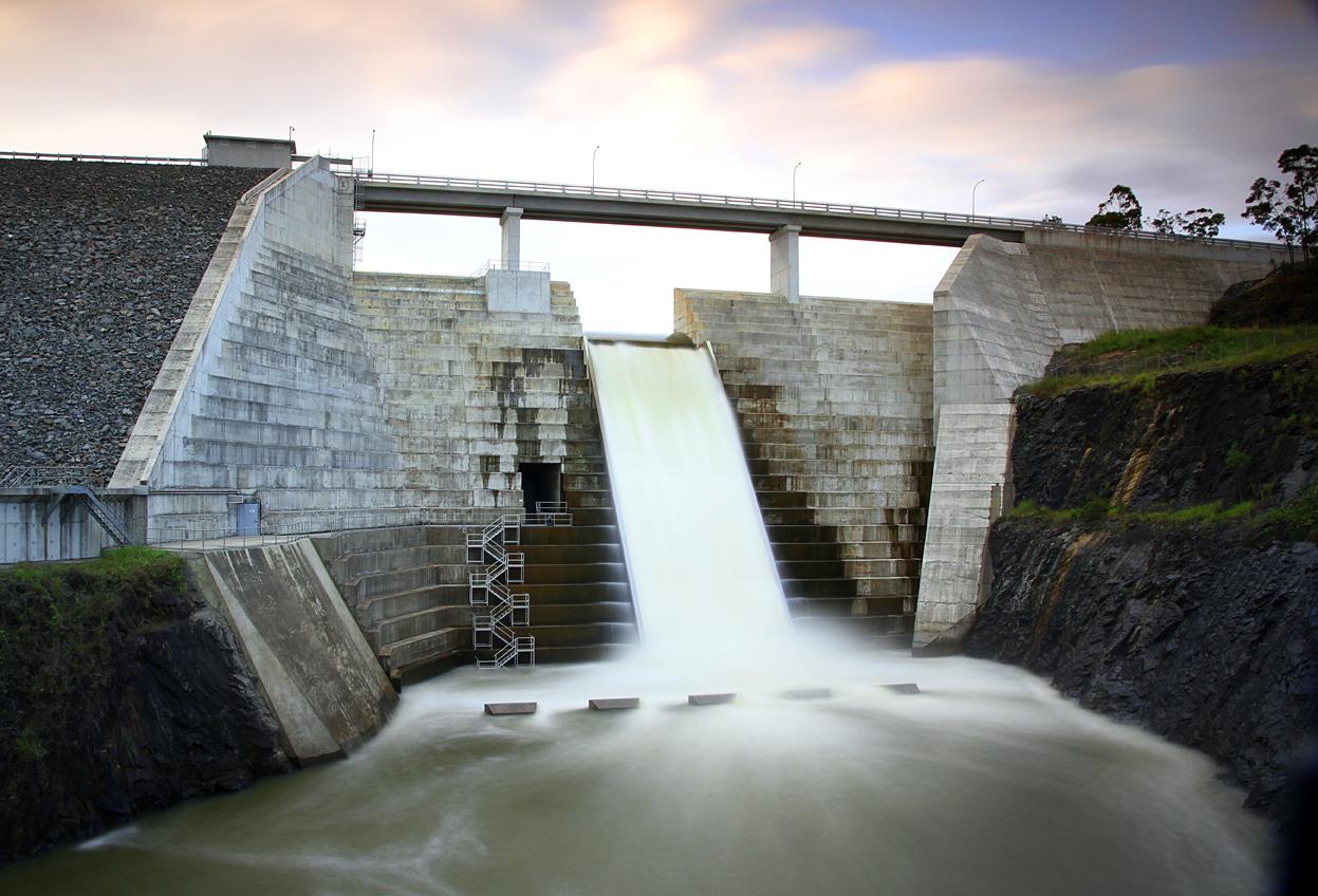 Hinze Dam 5 Sml.jpg