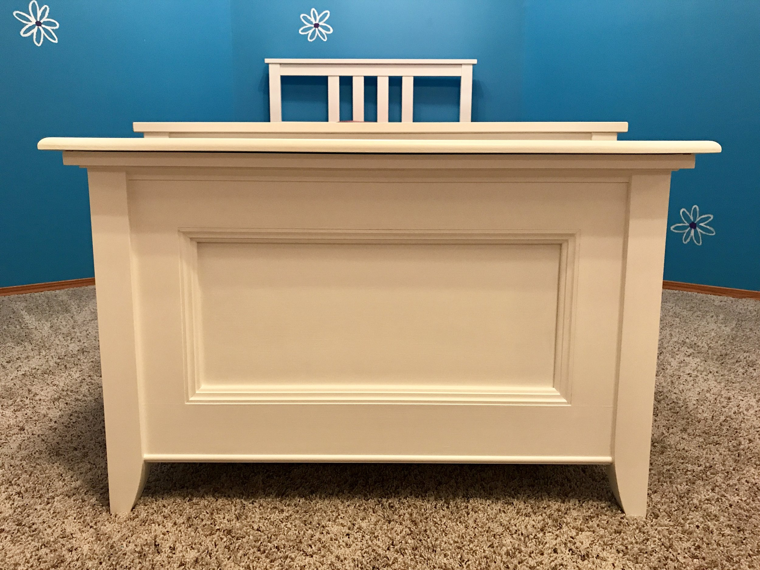 Blanket Chest Toy Box Frontal