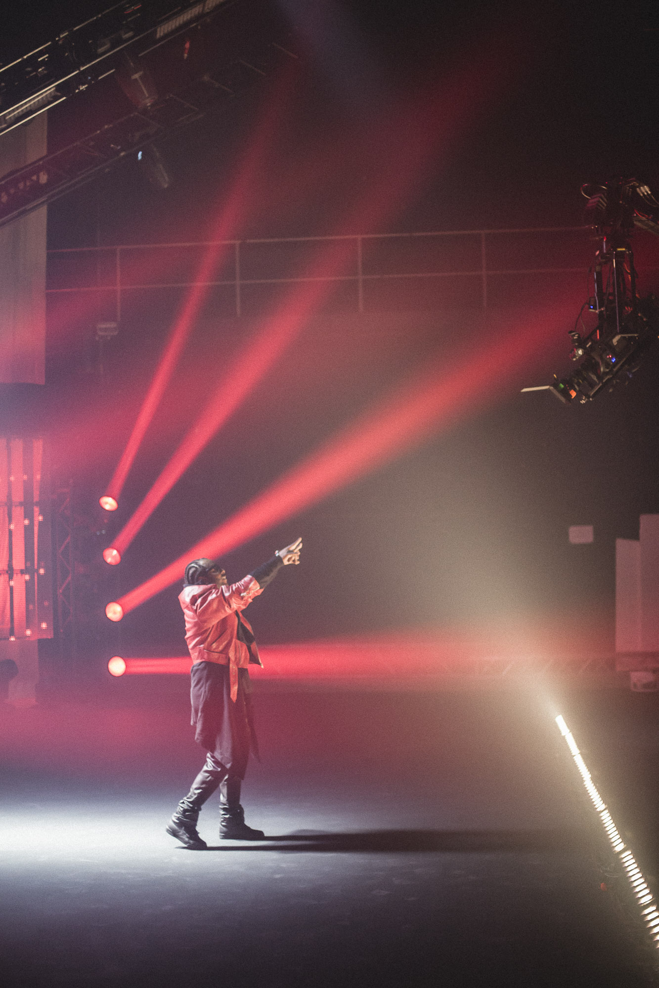 Madcon-Frederic-Esnault-Behind-The-Scenes_01.jpg