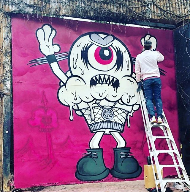 Ooohhh @buffmonster made it back to #Parkdale ⚡️#streetartdaily #streetartTO #toart Cheers to the patrons of this noble art cause 🥂