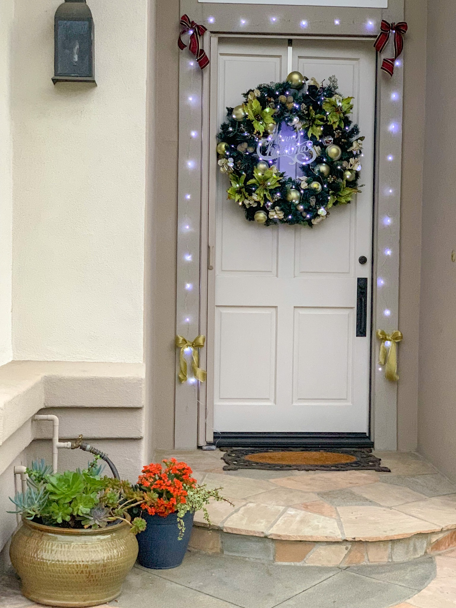 With lights - Instant sparkle and focal point on my door