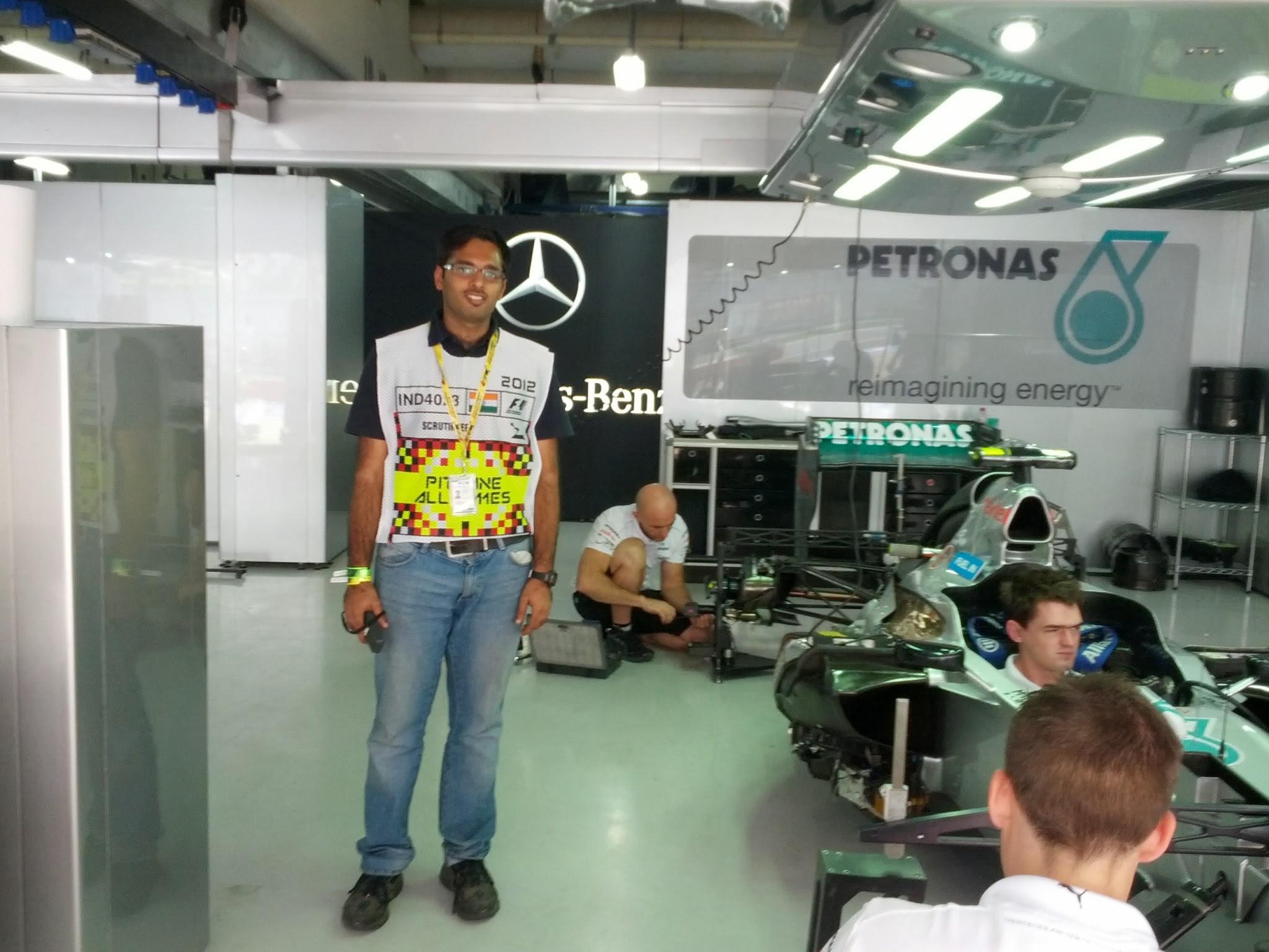 F1 Mercedes Garage