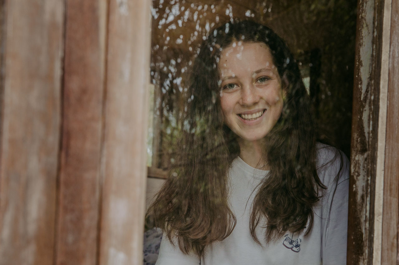 Portrait session at home - teenage girl with window reflections