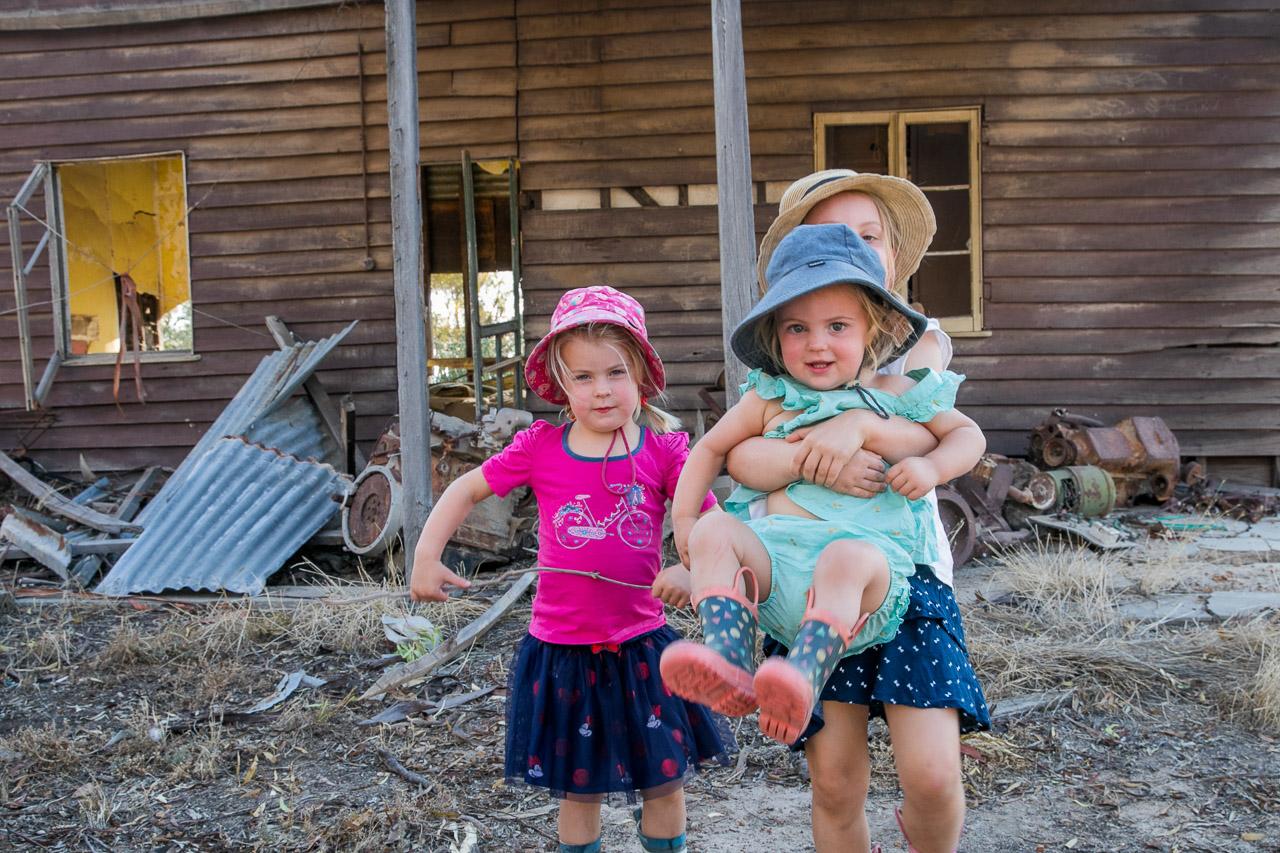 Wheatbelt-family-photos-on-the-farm-04.jpg