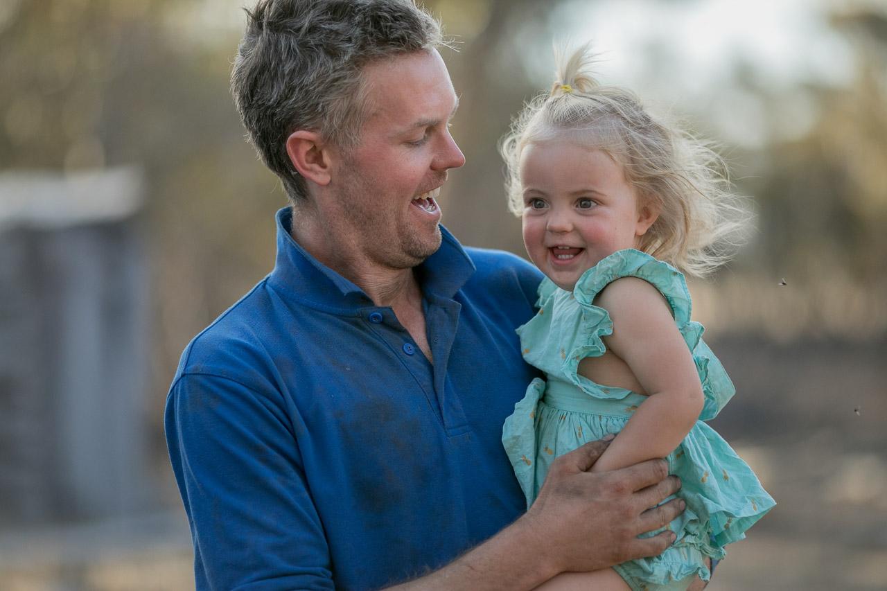 Wheatbelt-family-photos-on-the-farm-16.jpg