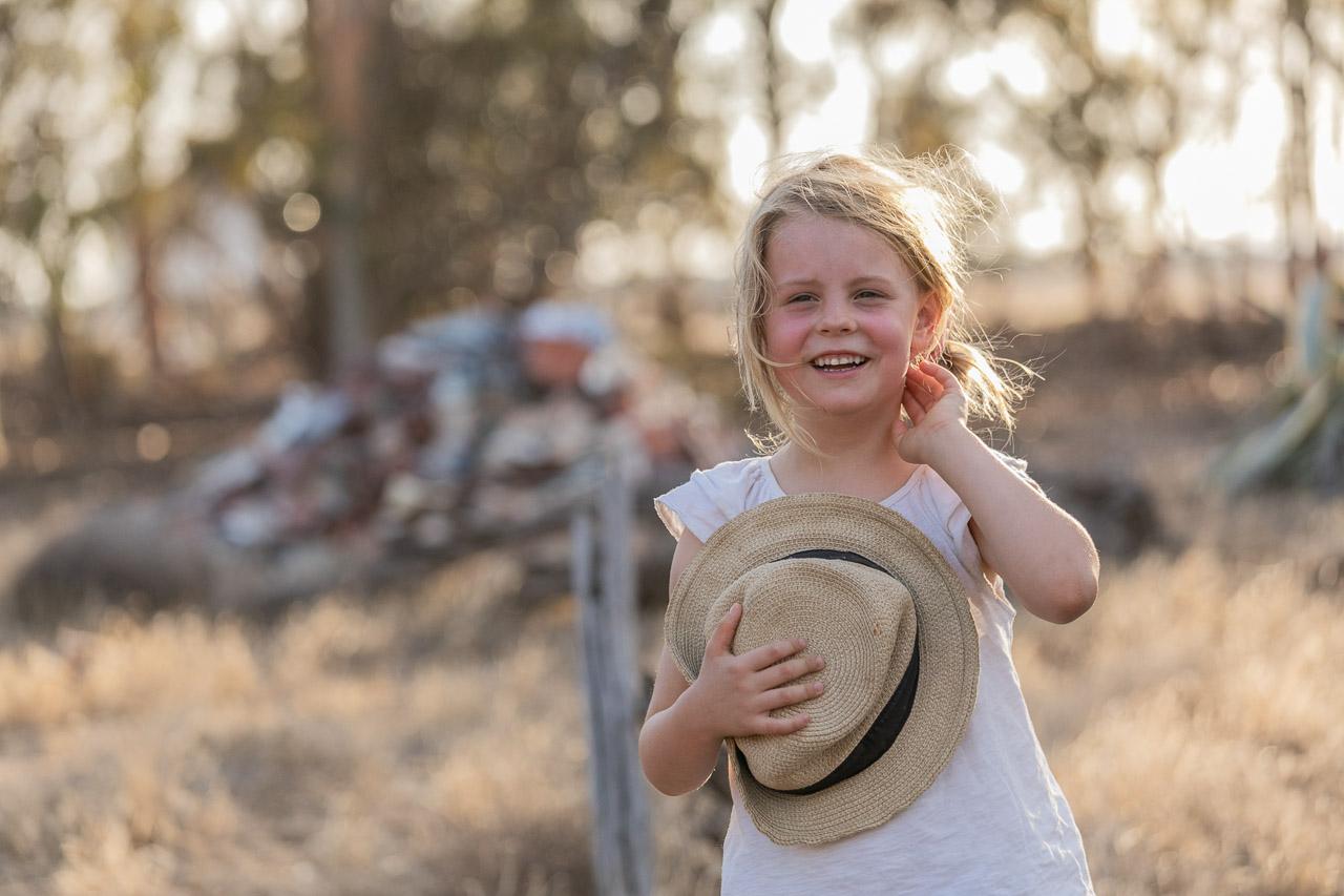 Wheatbelt-family-photos-on-the-farm-24.jpg