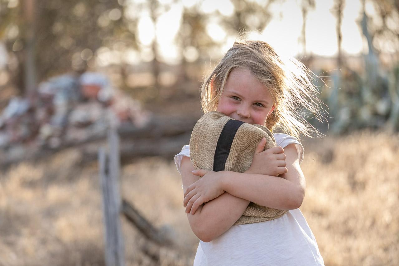 Wheatbelt-family-photos-on-the-farm-26.jpg