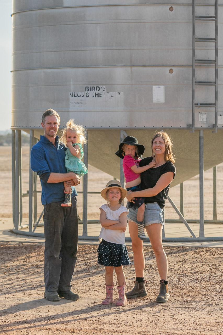Wheatbelt-family-photos-on-the-farm-30.jpg