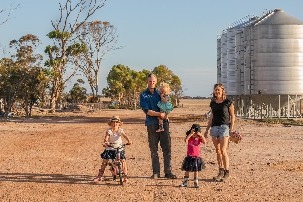 Family portrait session on their farm in the wheatbelt