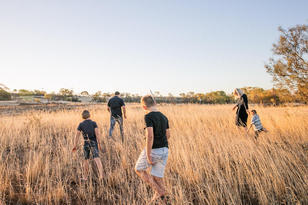 Family portrait session in Bruce Rock, in the Wheatbelt WA